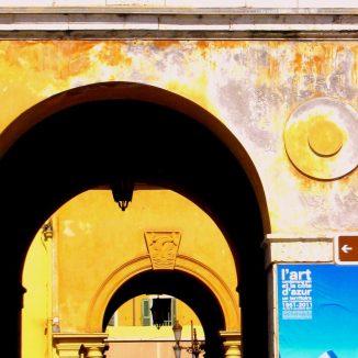 © 2011 Laura Riggs; Nice Ville (12) September